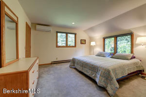 10 Lake View Great Barrington MA 01230