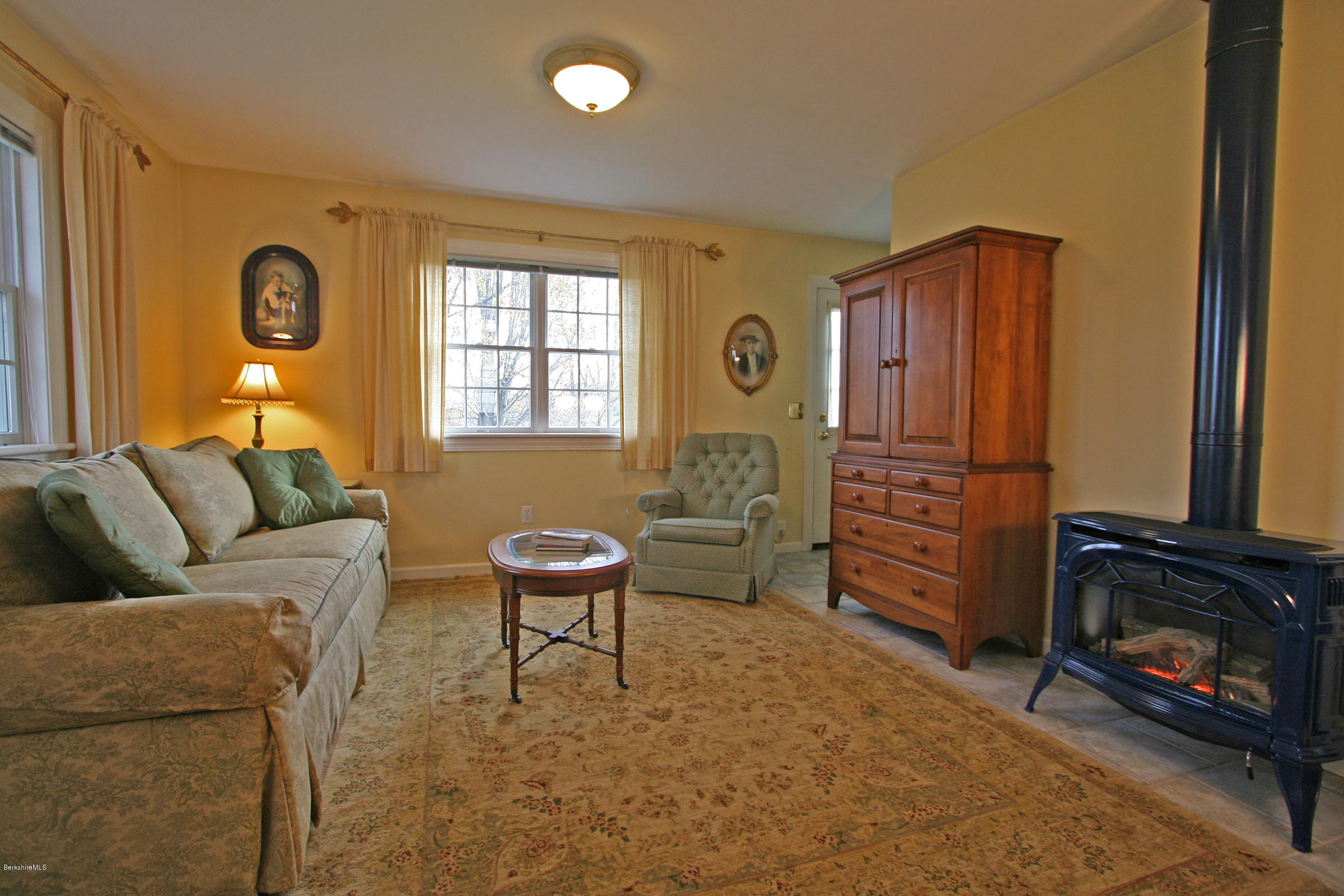 802 MA-41, Richmond, Massachusetts 01254, 7 Bedrooms Bedrooms, 20 Rooms Rooms,8 BathroomsBathrooms,Residential,For Sale,MA-41,232610