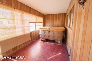1097 North Pittsfield MA 01201