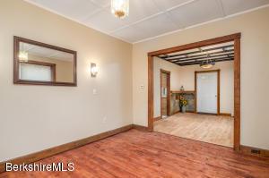 812 Mohawk North Adams MA 01247