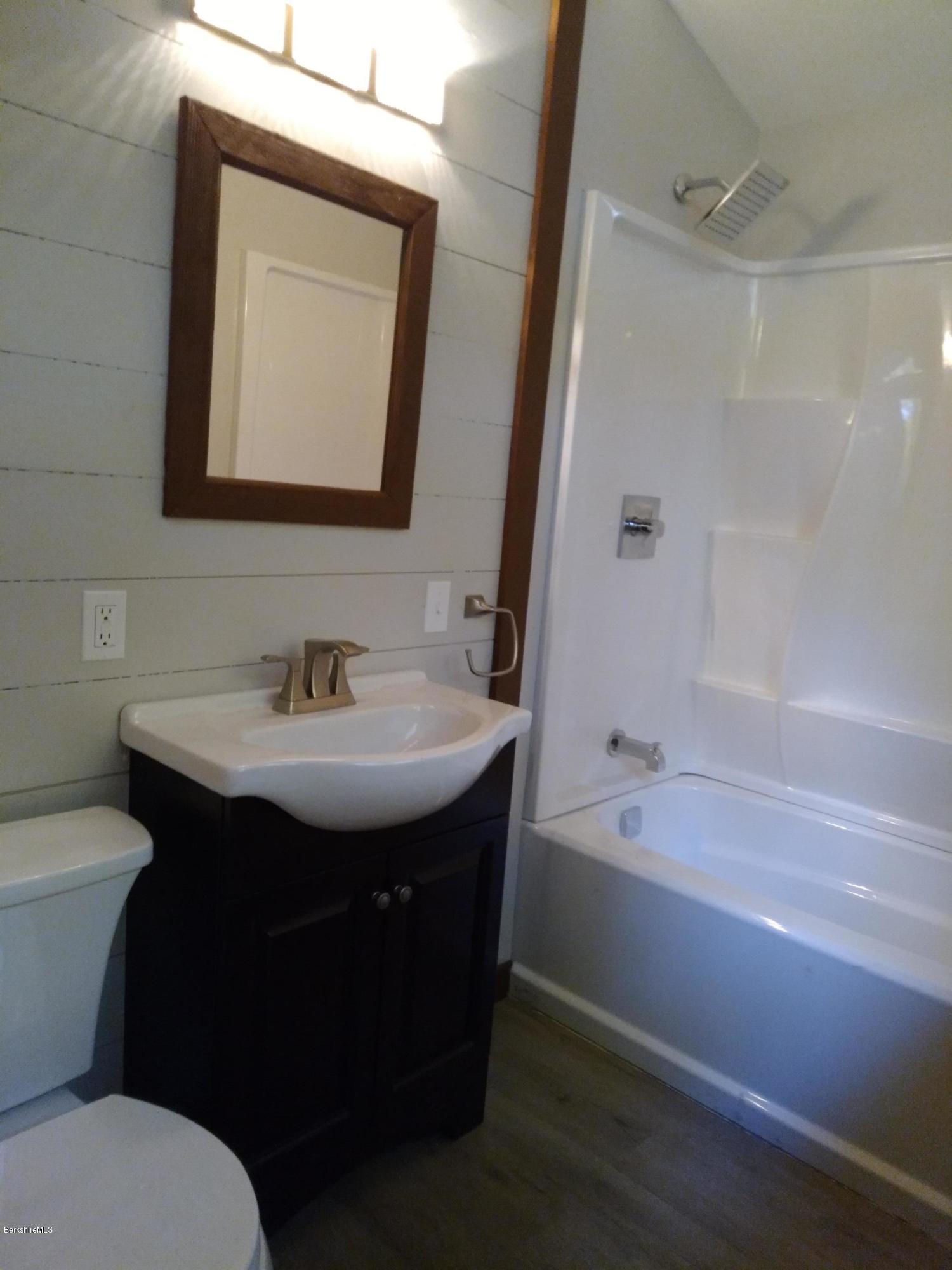 Primary Full Bathroom