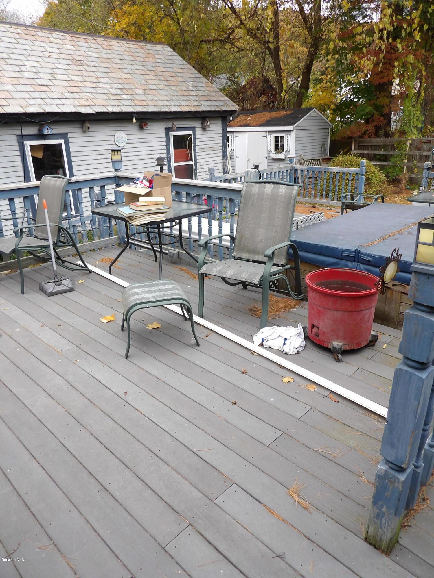 Deck Level 1