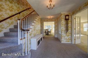 69 Gravesleigh Pittsfield MA 01201