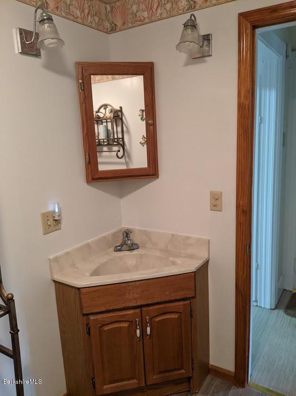 bathroom view 2 corner vanity