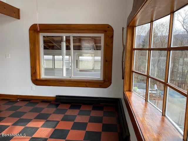 frederick up kitchen window