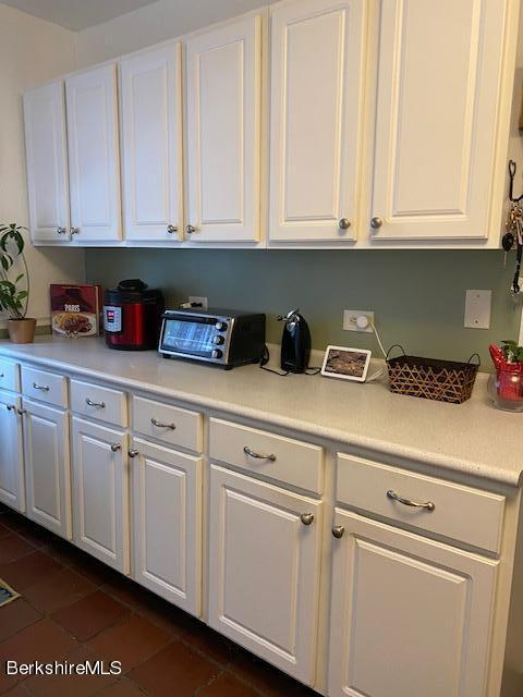 Plenty of cabinets