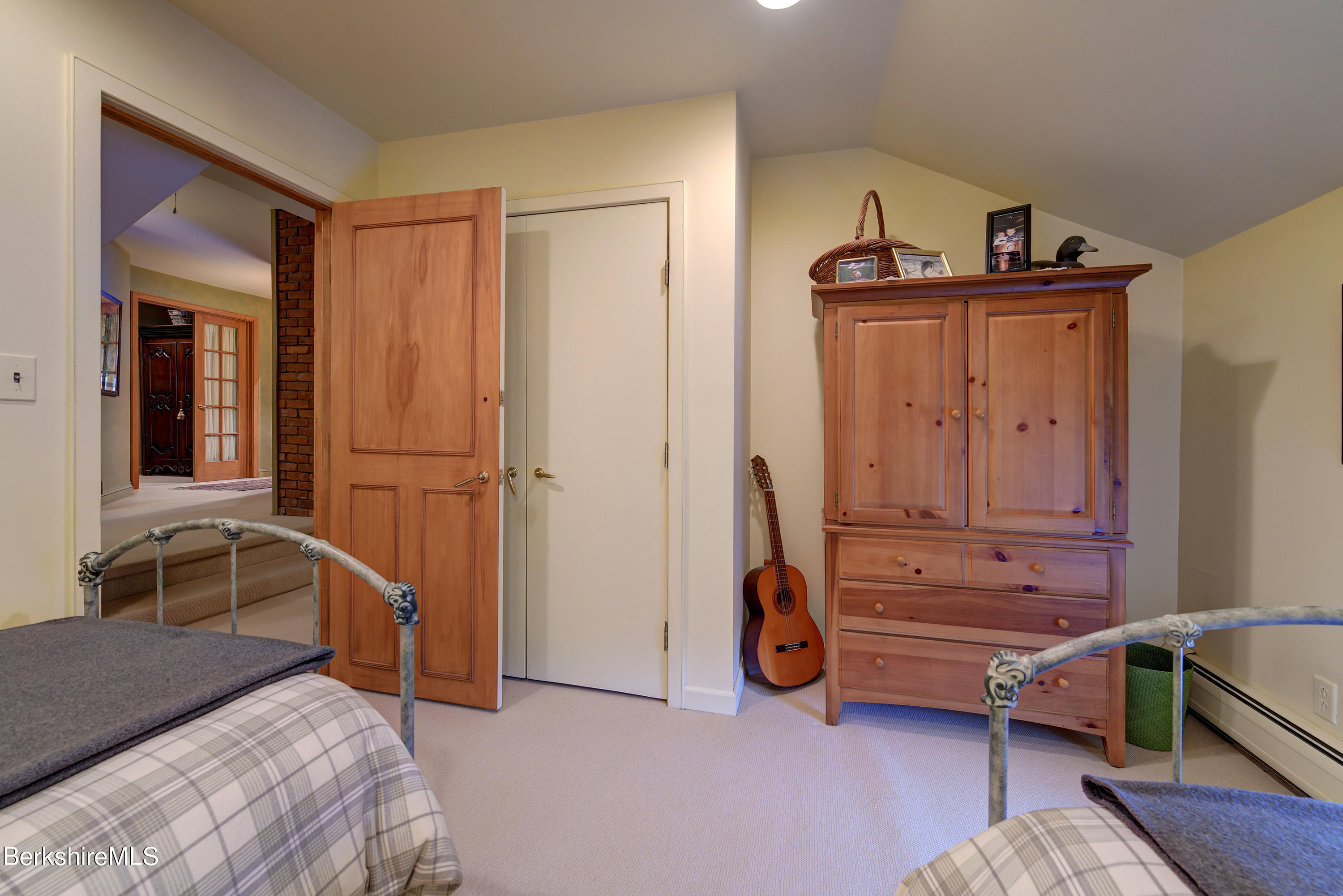 340-342 US-7, New Ashford, Massachusetts 01237, 4 Bedrooms Bedrooms, 10 Rooms Rooms,2 BathroomsBathrooms,Residential,For Sale,US-7,233270