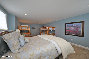 520 Fairview Lee MA 01238