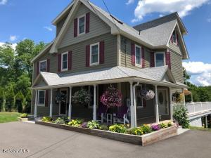 70 Castle Hill Ave, Great Barrington, MA 01230