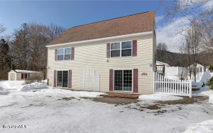 123 Willow Cove Rd, Cheshire, MA 01225