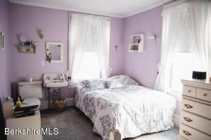 176 Main Lee MA 01238