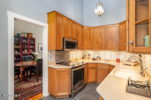 27 Thistle Williamstown MA 01267