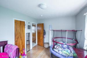 15 Longfellow Pittsfield MA 01201