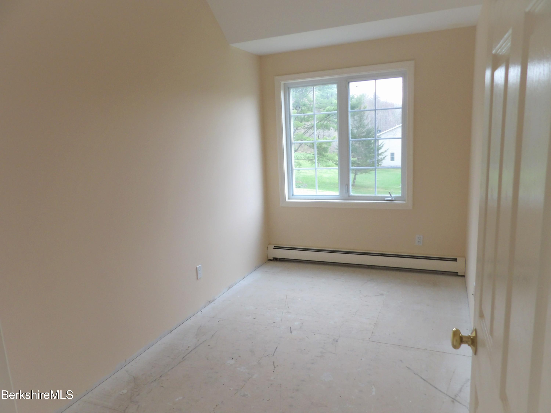 Bedroom 2-Floor2