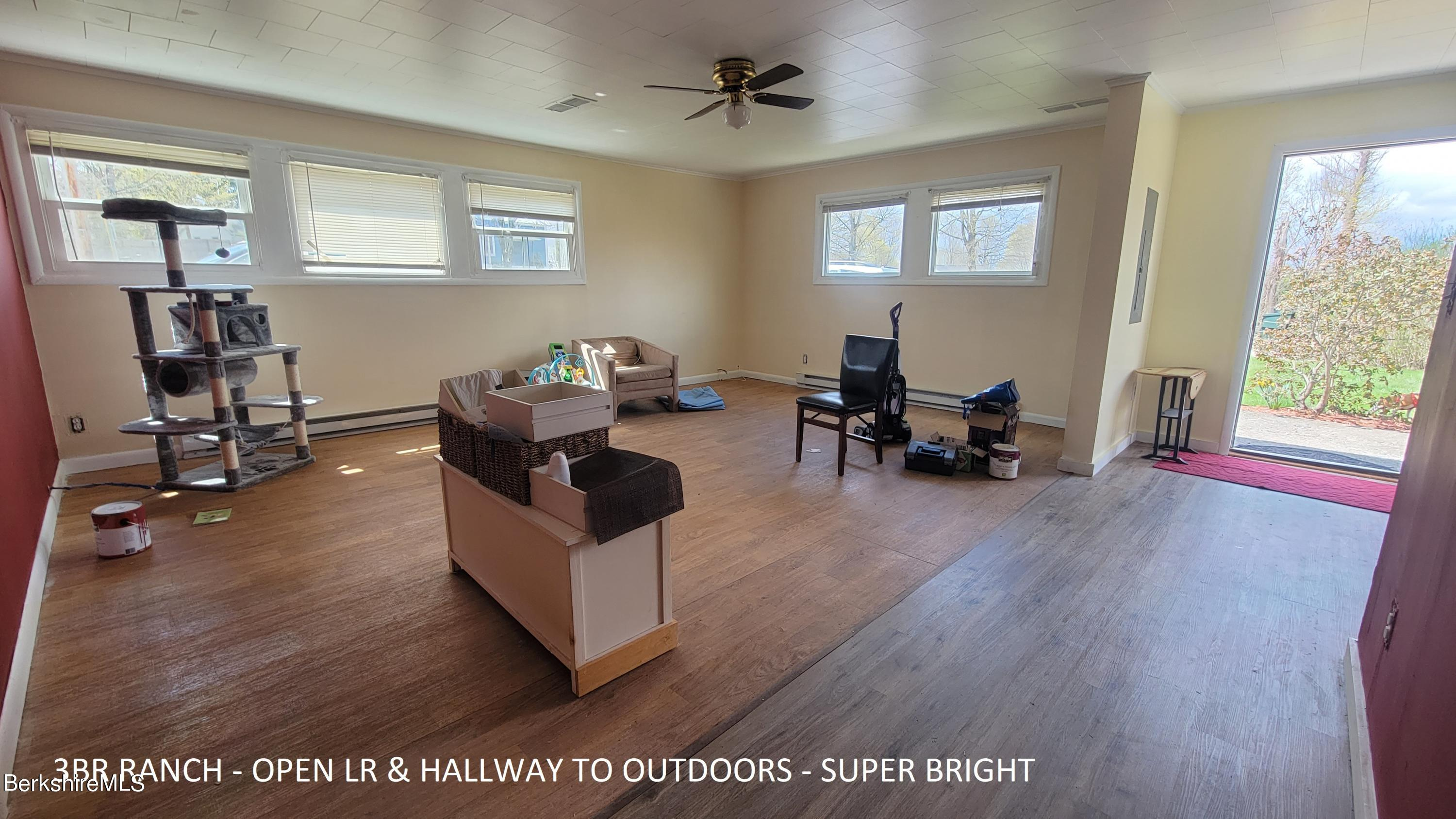 East Chatham, New York 12060, 2 Bedrooms Bedrooms, 27 Rooms Rooms,1 BathroomBathrooms,Residential,For Sale,234248