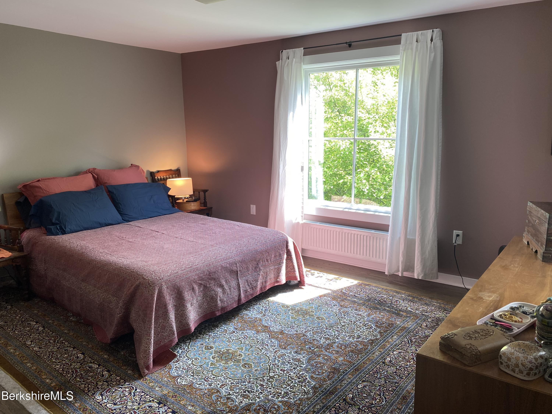 Primary_Bedroom
