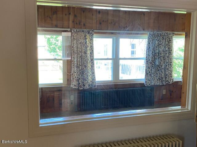 glass to sunroom from kitchen