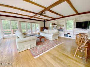 991 Home Sheffield MA 1257