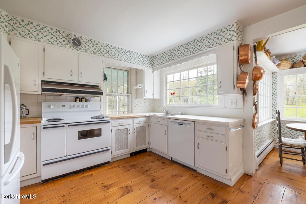 20 Jug End, Egremont, Massachusetts 01258, 5 Bedrooms Bedrooms, 9 Rooms Rooms,5 BathroomsBathrooms,Residential,For Sale,Jug End,234456