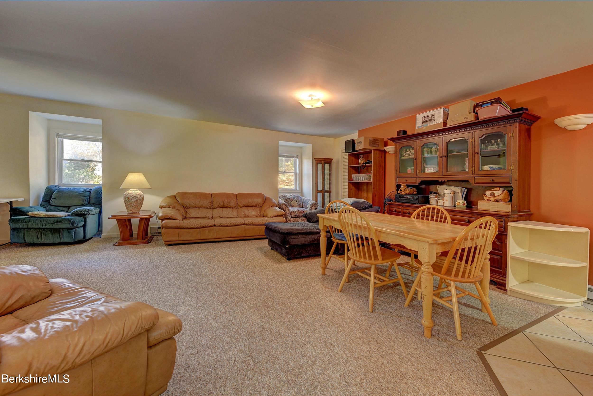 410 2nd Floor Garage Living Area