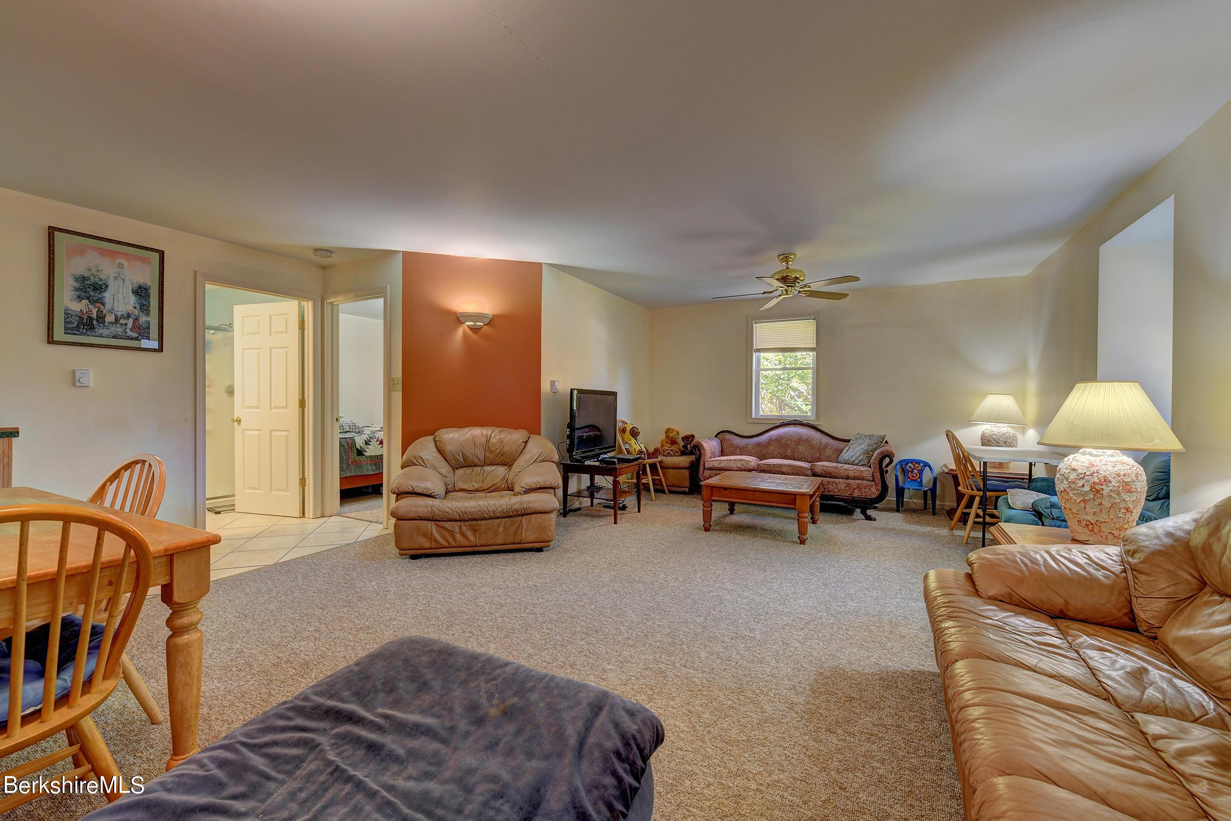 412 2nd Floor Garage Living Area