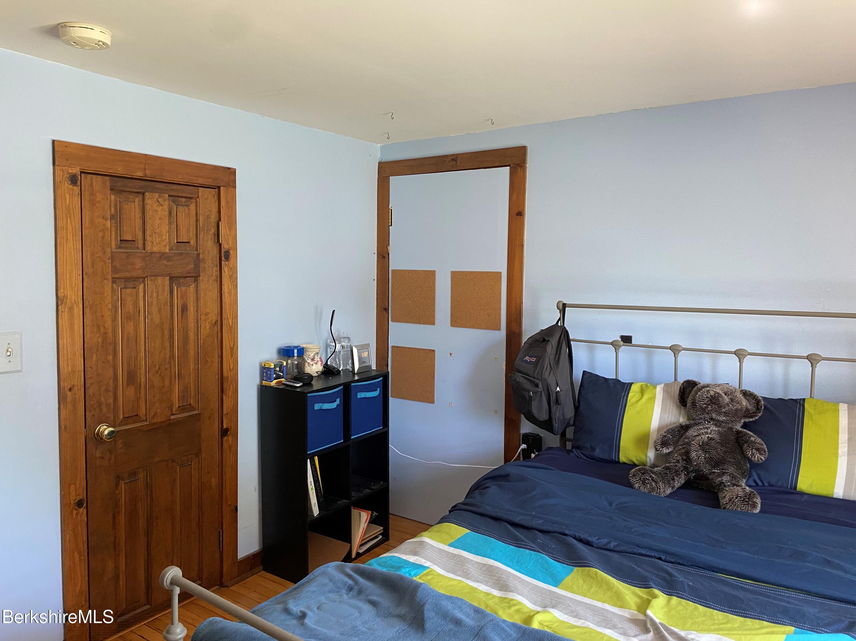 bedroom 4 vw 2
