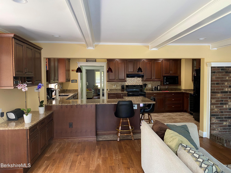 kitchen from den