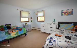 152 Maple Grove Pittsfield MA 01201