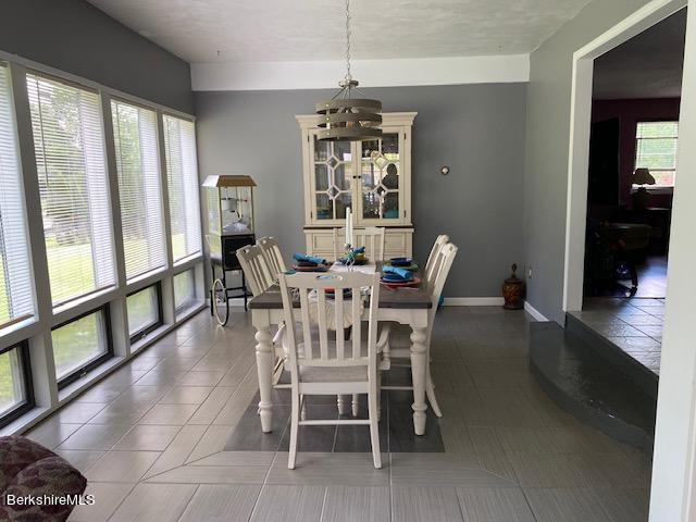 south facing dining room