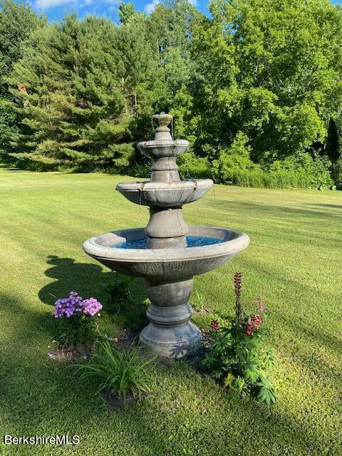 flowing fountain
