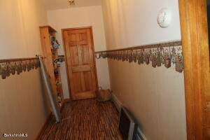 11 Noppet Lanesborough MA 01237