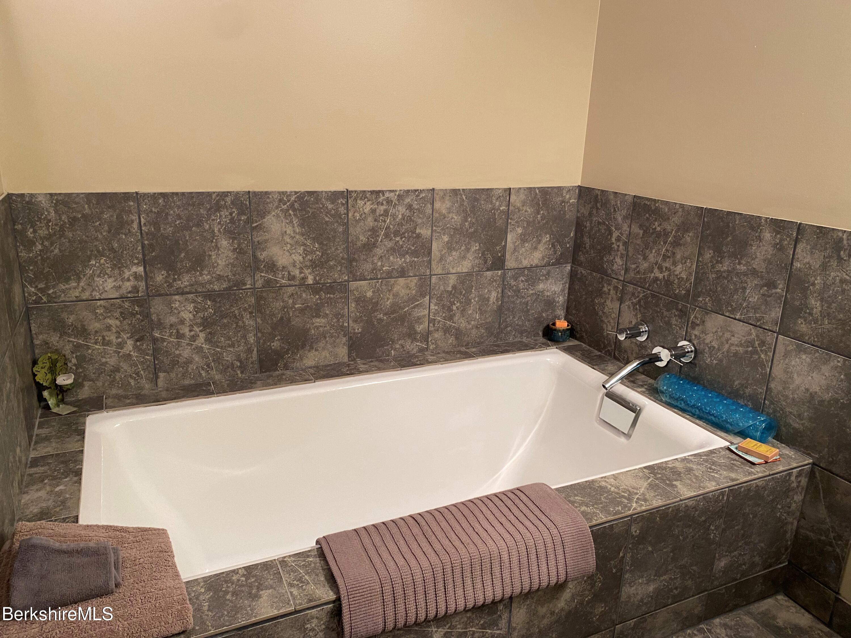 primary bath soaking tub