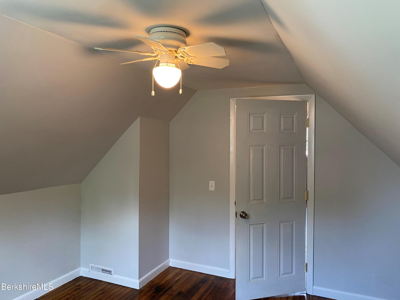 bedroom 2 vw2