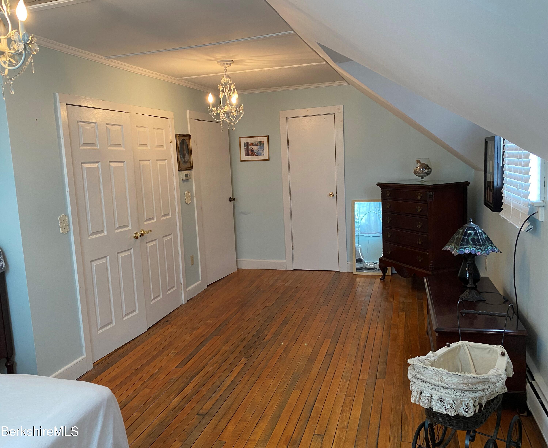 bedroom 1 vw 3