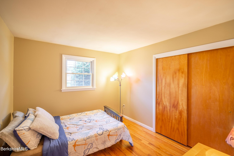3rd Bedroom closet