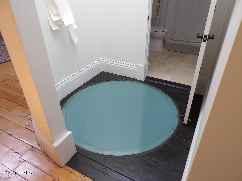 Glass floor dome