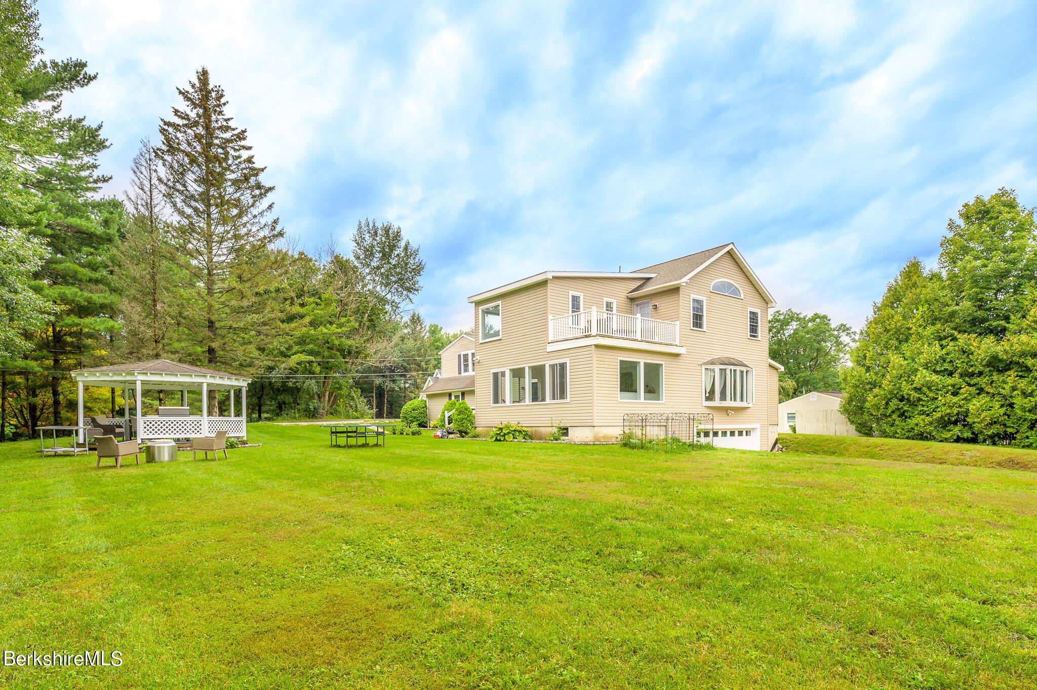 19 Morgan, Lenox, Massachusetts 01240, 4 Bedrooms Bedrooms, 10 Rooms Rooms,3 BathroomsBathrooms,Residential,For Sale,Morgan,235771