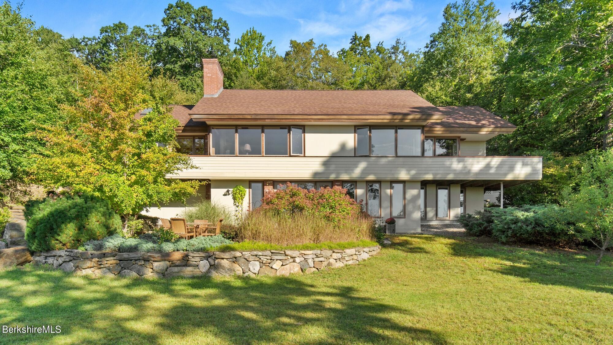1290 Main, Granville, Massachusetts 01034, 3 Bedrooms Bedrooms, 8 Rooms Rooms,3 BathroomsBathrooms,Residential,For Sale,Main,235763