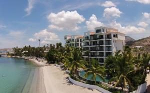 La Concha Suites, Beachfront Penthouse, La Paz,
