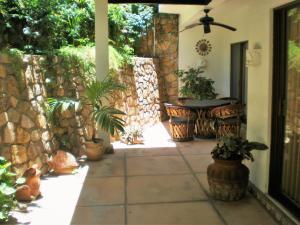 Camino De La Cruz Gardenia  Gardenia property for sale