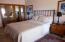 Queen Bed, Solid Wood Doors, Gorgeous Ocean Views