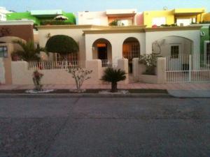 135 Calle Venegas e/Ulloa e Isleno Casa Ana   property for sale