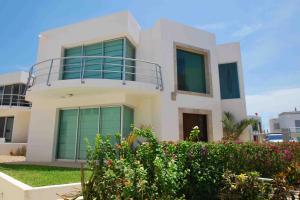 34, Casa Laura, Cabo Corridor,