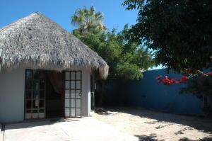 370 Agua Dulce Casa Agua Dulce Calle  property for sale