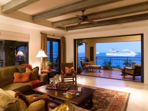 Gomez Farias, Hacienda CSL 4-401, Cabo San Lucas,