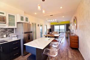 17041  residencial cortez Torres Cantera Condominiums   - Condo