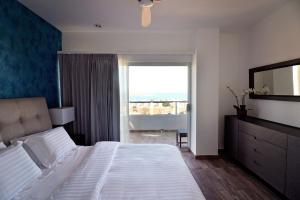 17046  residencial cortez Torres Cantera Condominiums   - Condo