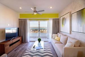 17065  residencial cortez Torres Cantera Condominiums   - Condo