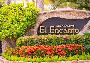 El Encanto de La Laguna main entrance