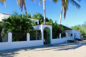 Calle Acceso s/n, Casa Paraiso, La Paz,